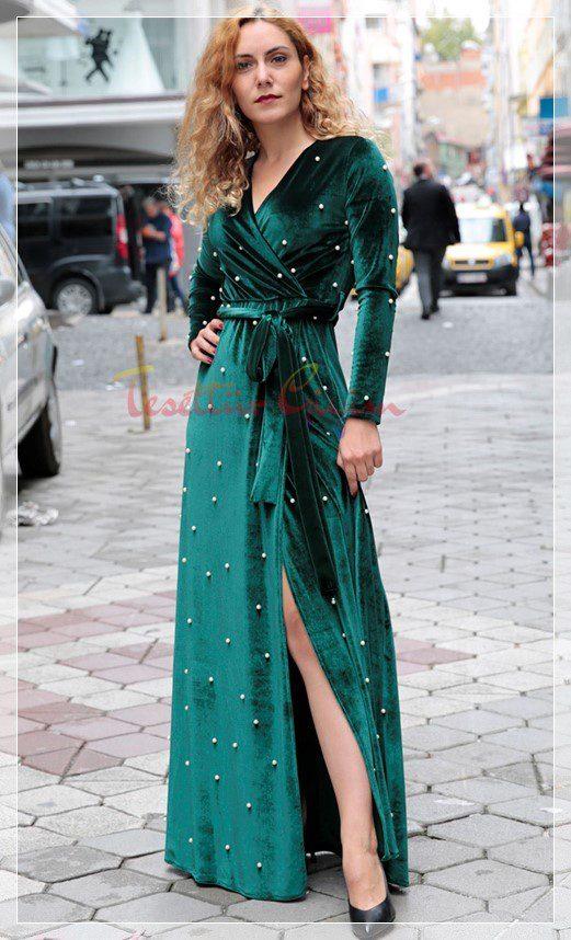 inci işlemeli kadife elbise modeli