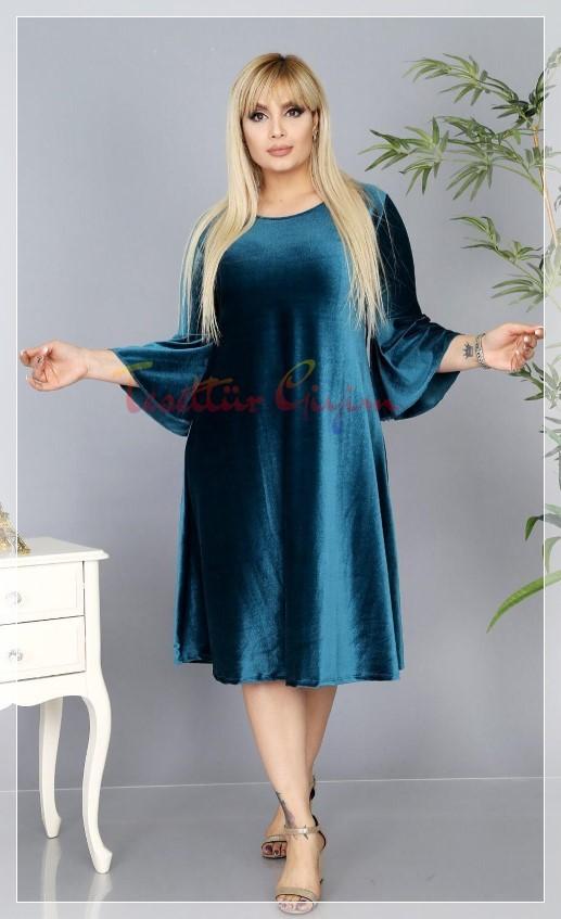 kilolu hanımlar için kadife elbise modeli