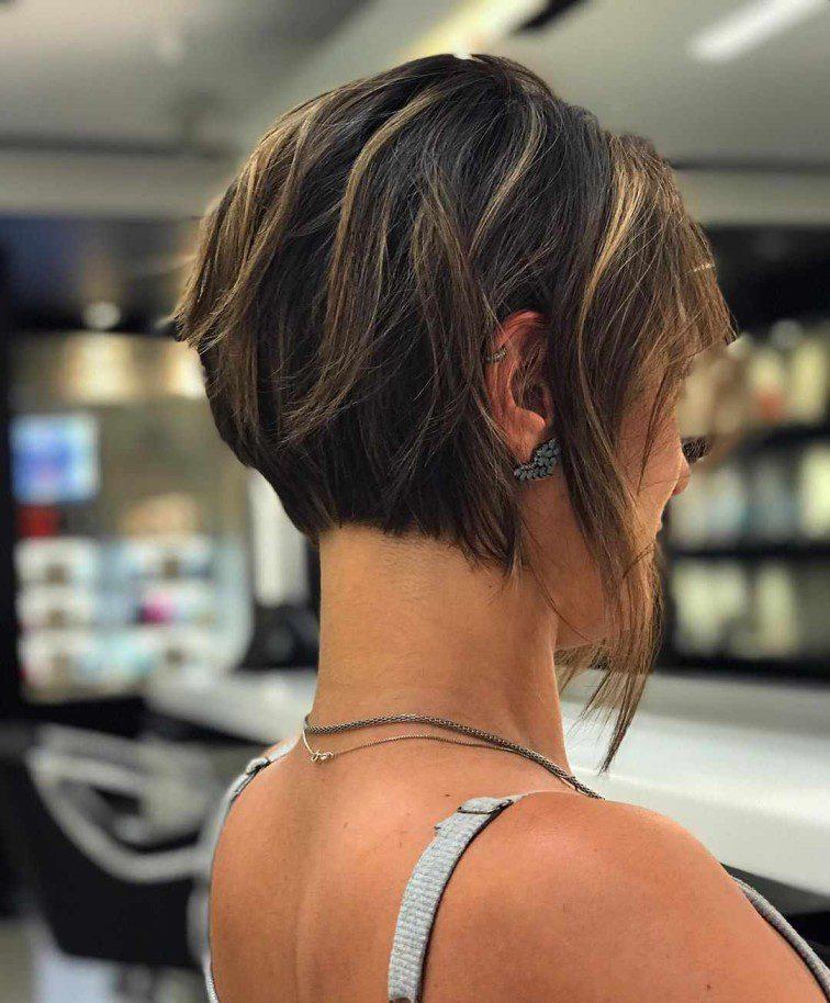 Kısa Saç Daha Fazla Dikkat Çeker