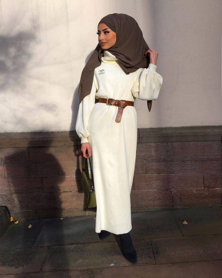 Beyaz Elbise Gri Şal