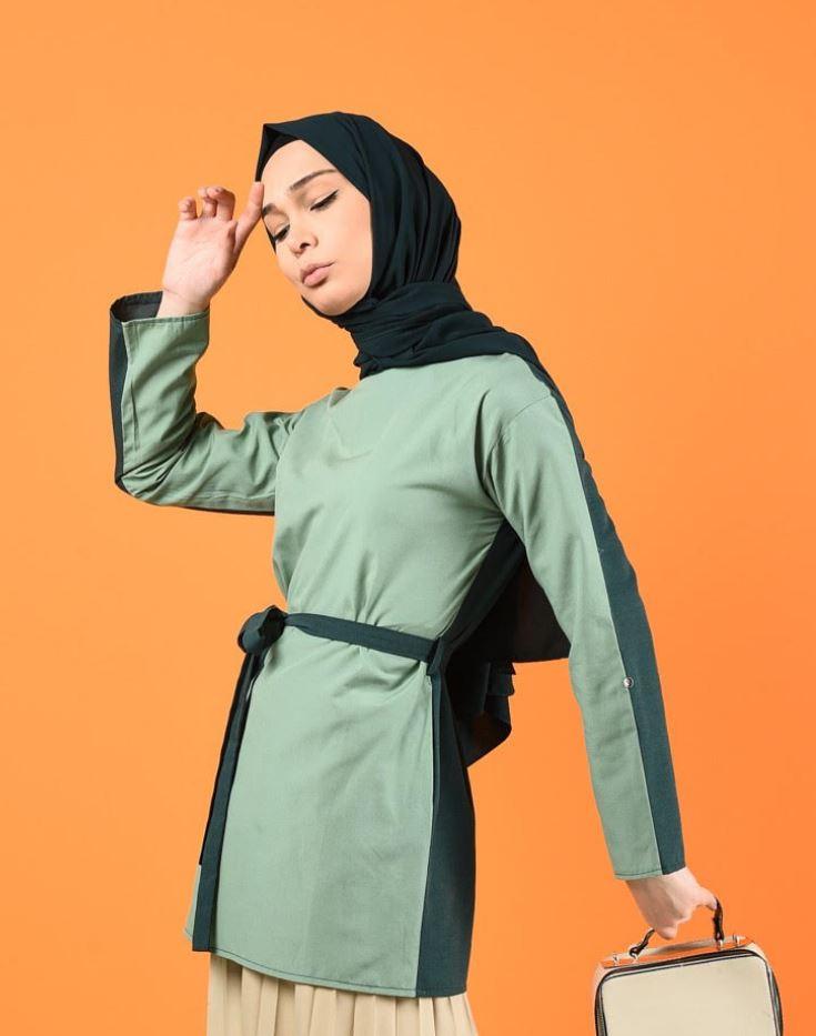 Kuşaklı su yeşili elbise