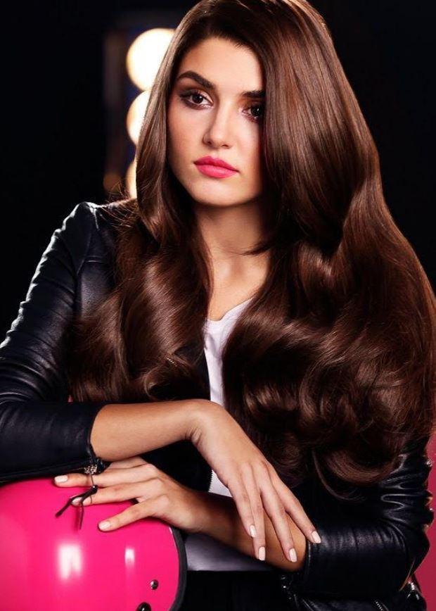 Hande Erçel Hair Style