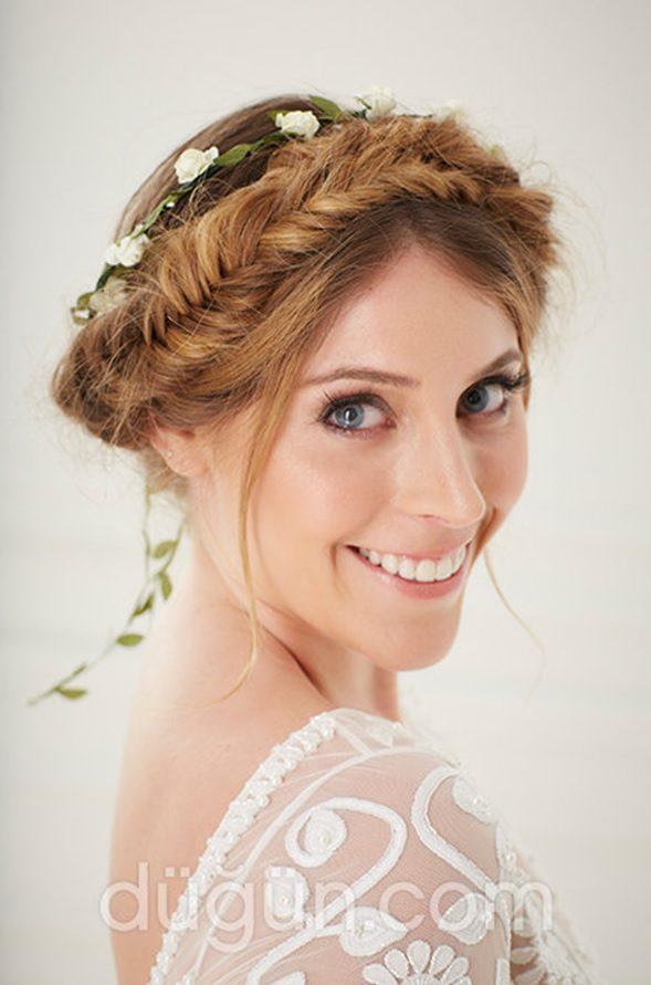 Düğün Örgü Saç Modeli