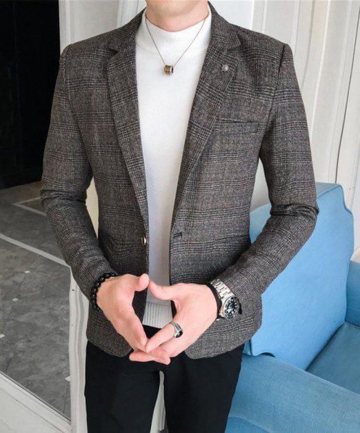 Gri Blazer Ceket ve Siyah Pantolon