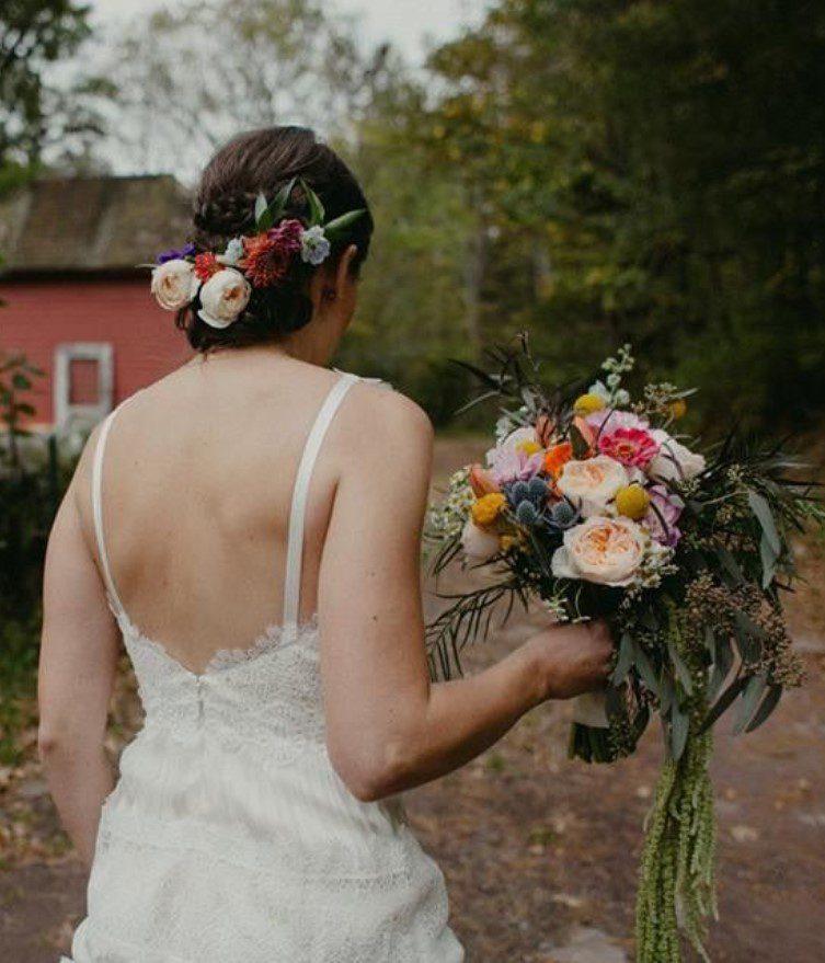 Kır Düğünü Canlı Saç Modeli