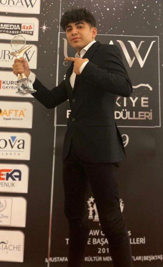 Berke Juan Takım Elbise Ödül