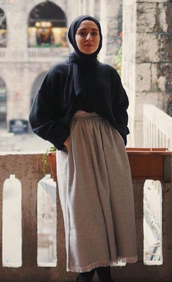 Siyah Çizgili Bluz Uzun Etek Kombin