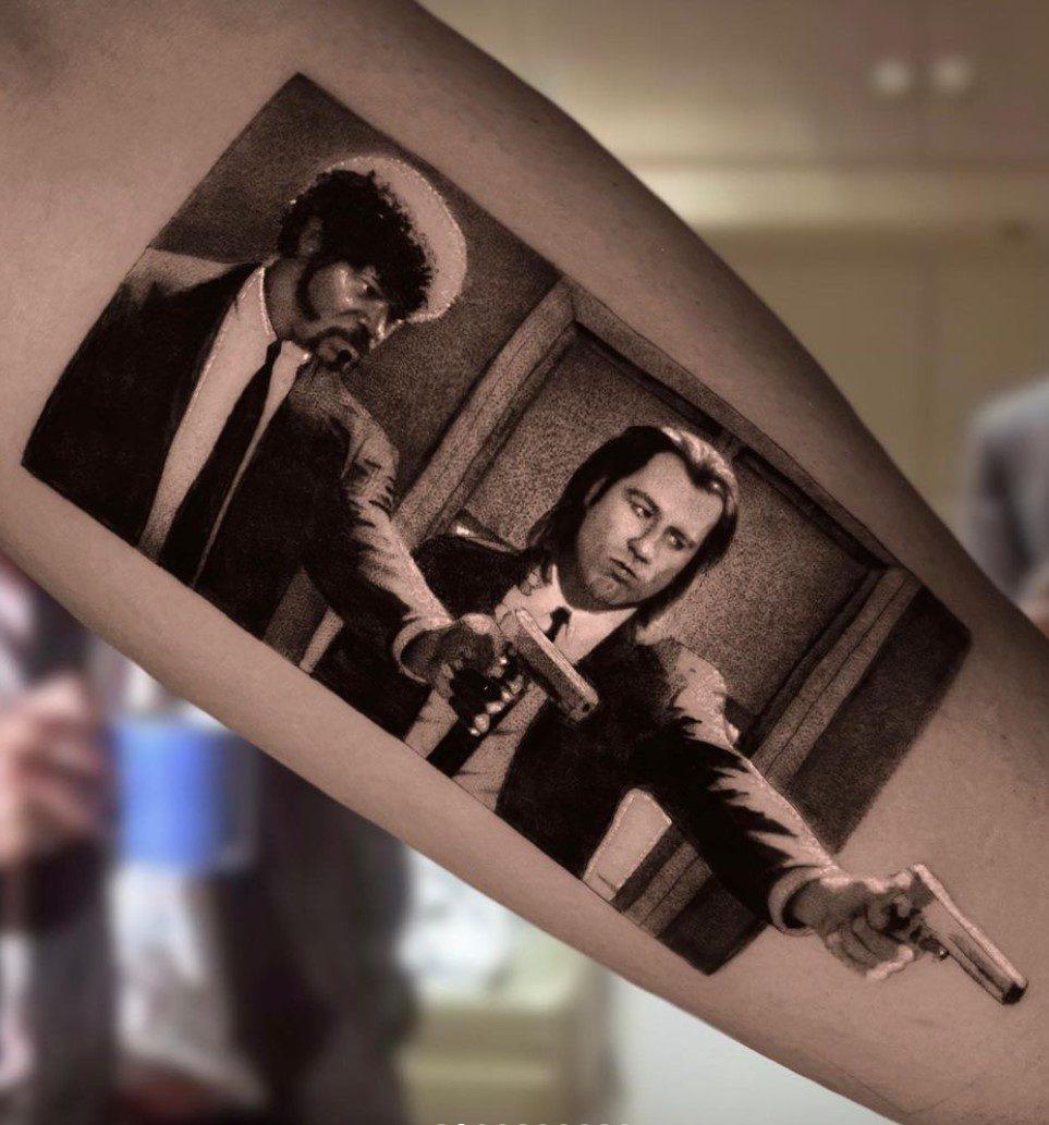 Ucuz Roman John Travolta Dövmesi