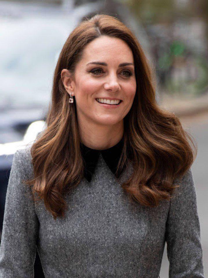 Kate Middleton Açık Renk Fındık Kabuğu Saç Rengi