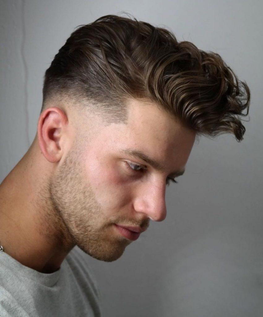 Üstler dalgalı yanlar sıfır erkek saçı