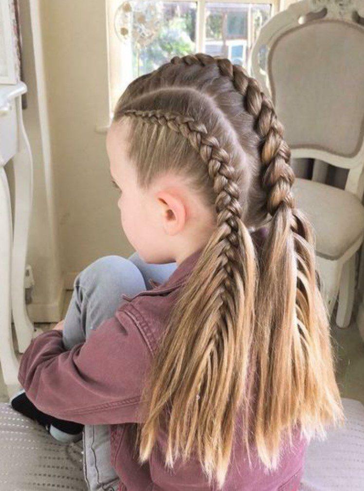 Uzun Örgülü Kız Çocuğu Saç